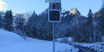 Ampelsystem mit Zentrale/ Dispositif d'alarme des avalanches avec central de base